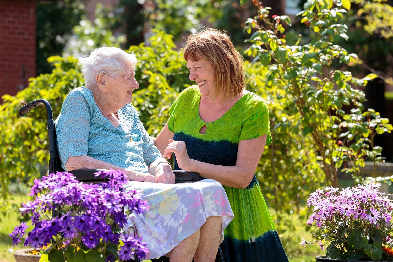 daughter caring for elderly mother